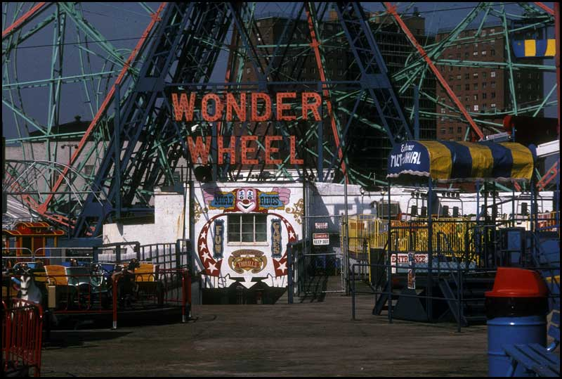 The entrance to the Wonder Wheel